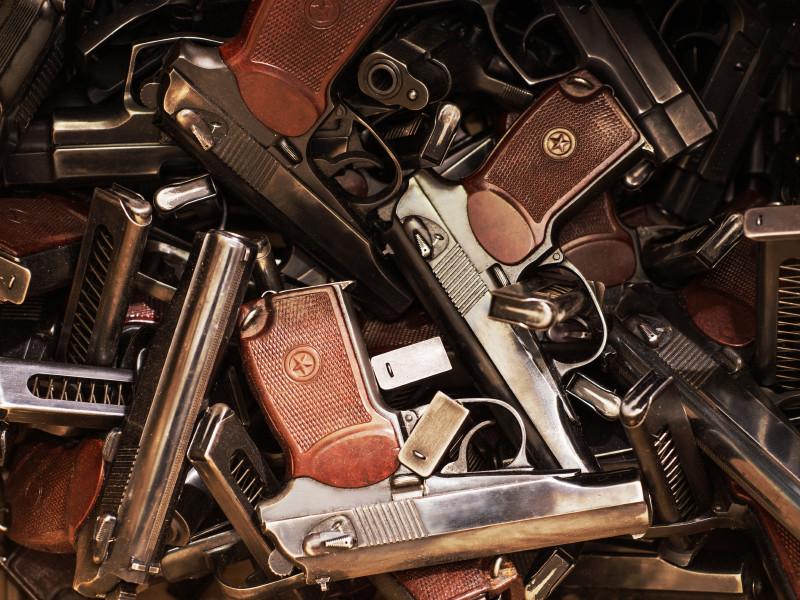 Эстония для борьбы с пророссийскими сепаратистами в Донбассе отдаст Украине снятые с вооружения пистолеты Макарова