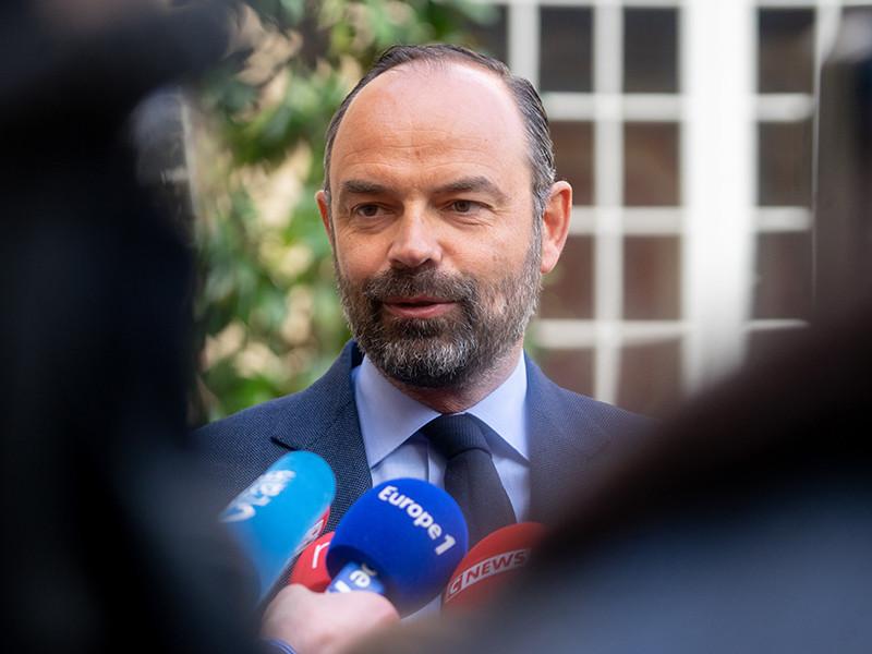 Премьер-министр Франции подал в отставку после неудачи на региональных выборах