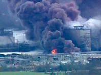 Пожар начался на химзаводе в городе Лейк-Чарльз