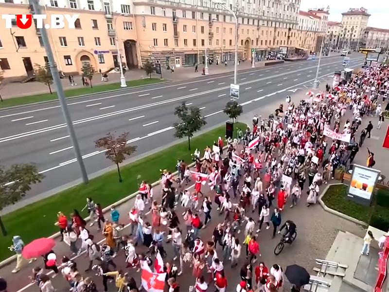В Минске прошел многотысячный женский марш солидарности (ФОТО, ВИДЕО)