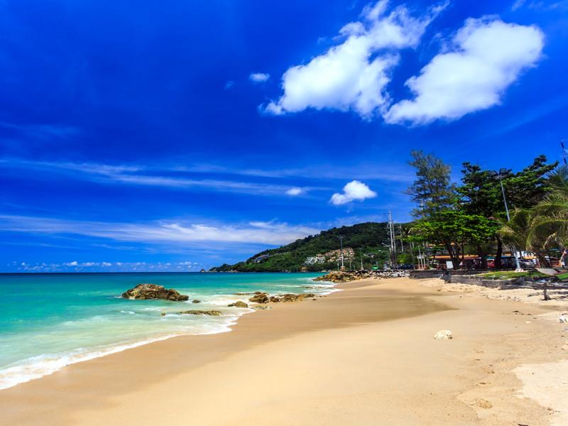 Таиланд решил с 1 октября разрешить иностранным туристам посещать остров Пхукет