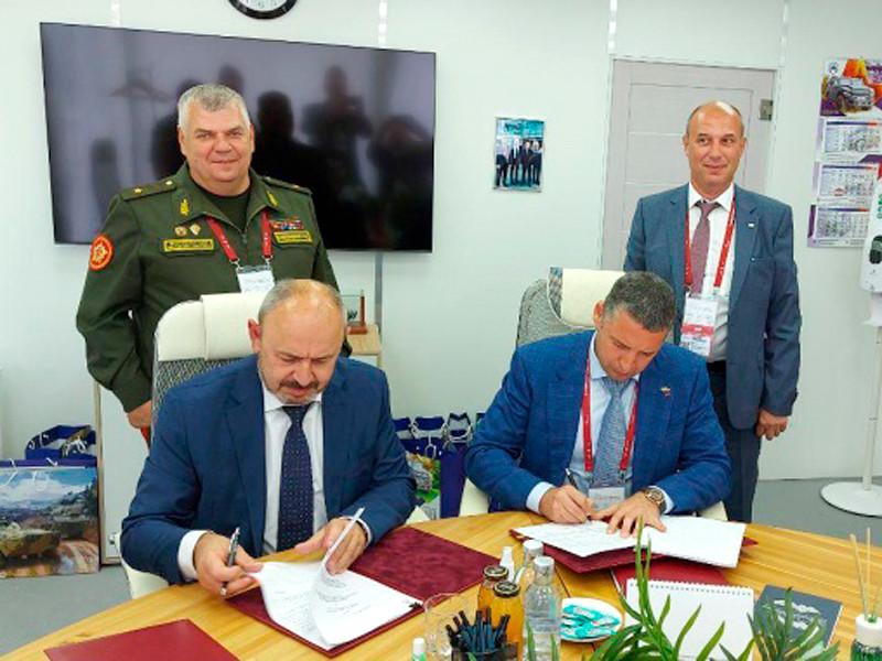 Россия поставит Белоруссии системы ПВО, вертолеты и БТР