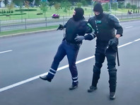 Были совершены умышленные наезды на сотрудников ГАИ. Для остановки нарушителей правоохранители использовали оружие
