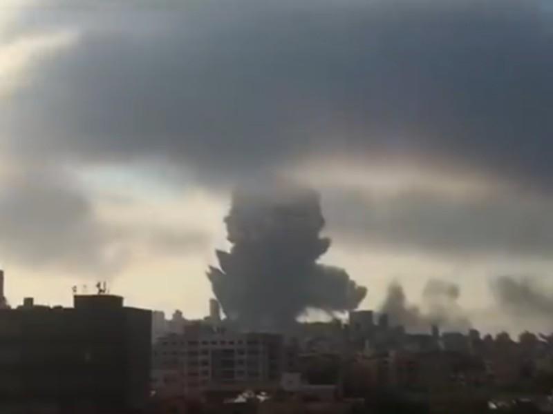 Премьер-министр Ливана Хассан Дияб назвал причиной взрыва в порту Бейрута ненадлежащее хранение 2750 тонн аммиачной селитры. Об этом говорится в сообщении канцелярии президента Ливана в Twitter