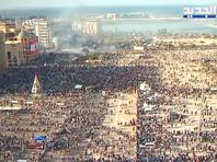 Тысячи людей в центре Бейрута вышли на антиправительственную манифестацию после мощного взрыва в порту, унесшего жизни около 160 человек