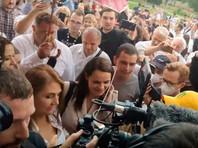 Светлана Тихановская около избирательного участка, 9 августа 2020 года