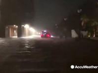 """Тропические циклоны в Атлантическом и Тихом океанах: на США обрушился ураган """"Исайяс"""", в Китае бушует тайфун """"Хагупит"""" (ВИДЕО)"""