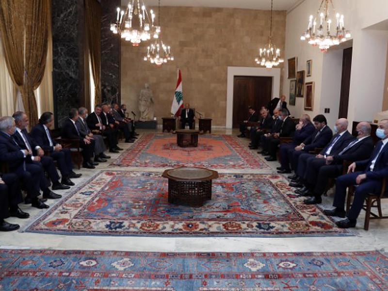 Формированием нового правительства Ливана займется дипломат Мустафа Адиб