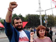 Местонахождение другого задержанного члена совета Сергея Дылевского (на фото - слева) до сих пор неизвестно