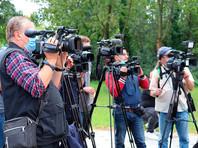 Сотрудников зарубежных изданий, освещающих события в Белоруссии, в субботу начали массово уведомлять о лишении аккредитации и депортации из страны