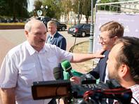 """На вопрос телеканала RT, как сейчас проходит общение с Россией, Лукашенко ответил: """"Хорошо проходит"""". Однако в подробности вдаваться не стал"""