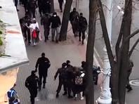 Задержания протестующих студентов на улице Свердлова