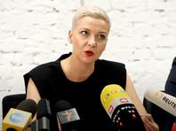 По словам Кравцова, сотрудников интересовала возможность вывоза Марии Колесниковой за границу, которую они объясняли необходимостью деэскалации обстановки в стране