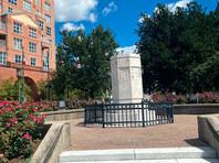 Памятник Христофору Колумбу в Балтиморе, 4 июля 2020 года