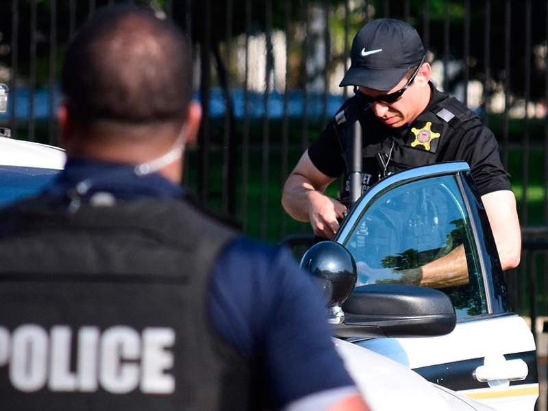В США задержали вооруженную женщину, подозреваемую в отправке Трампу яда рицина