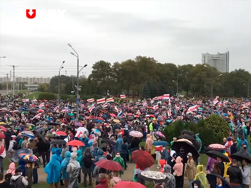 """Число участников акции протеста в Минске в это воскресенье превысило 100 тыс. человек"""" />"""