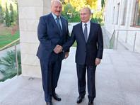 """Bloomberg: Путин """"ошеломлен"""" масштабами белорусских протестов, но верит в Лукашенко"""