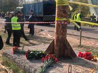 В авиакатастрофе погибли 26 человек - курсанты и семь членов экипажа. Минобороны Украины выплатит семьям погибших из фондов ведомства по 1,57 миллиона гривен (более 55 тысяч долларов) в качестве единоразового пособия, сообщил замминистра обороны Украины Игорь Старобинский
