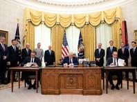 """На прошлой неделе при посредничестве Вашингтона Белград и Приштина договорились о налаживании экономических отношений. Сербская сторона настояла на том, чтобы из текста соглашения был изъят пункт, в котором, в частности, упоминается """"взаимное признание"""""""