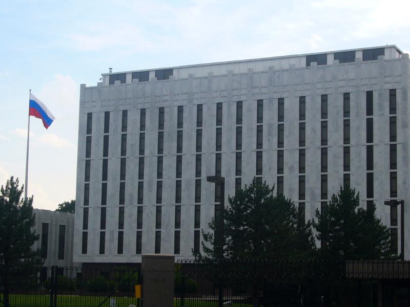 """Посольство РФ требует у США разъяснений в связи с сообщением NBC о поддержке Вашингтоном """"украинских террористов"""" в Крыму"""