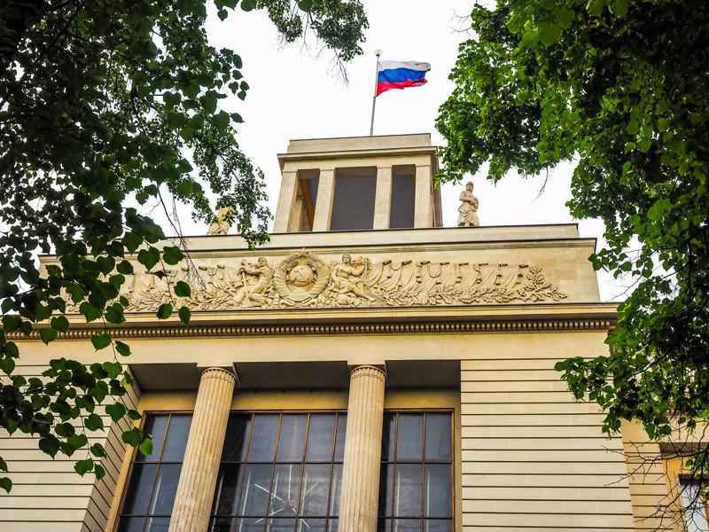 Сын Алексея Навального Захар не может приехать к отцу в берлинскую клинику из-за бюрократической процедуры