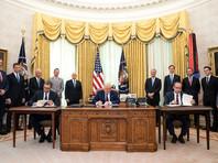 Александр Вучич, Дональд Трамп и Авдулах Хоти на церемонии подписания соглашения, 4 сентября 2020 года