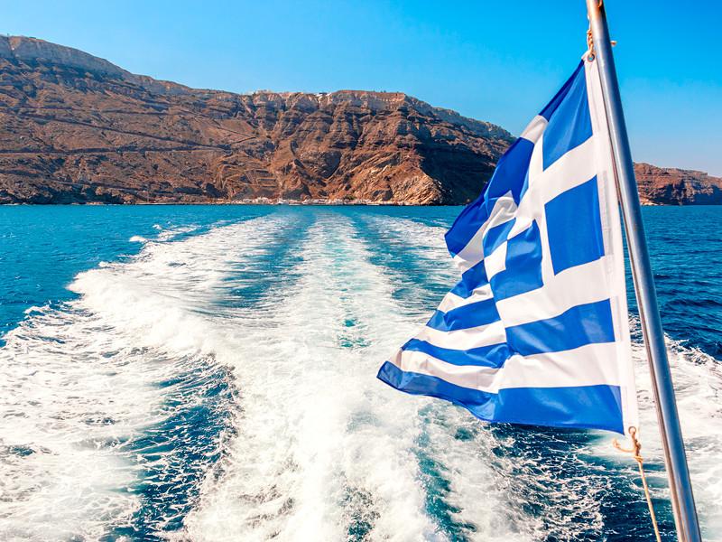 Еще двое российских моряков приговорены в Греции к 300 годам тюрьмы за перевозку мигрантов