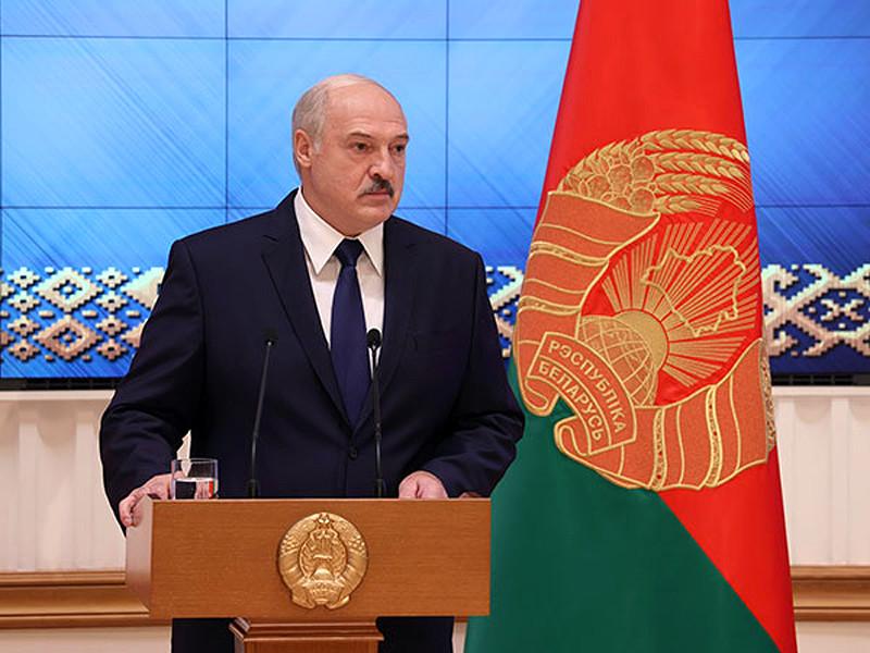 Лукашенко лишил дипломатического ранга бывших послов Латушко и Лещеню, поддержавших протесты