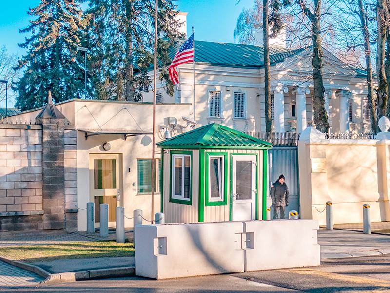 """Посольство США посоветовало своим гражданам уехать из Белоруссии или сделать запасы на три дня из-за """"народного ультиматума"""""""