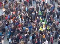 После убийства учителя в пригороде Парижа  во Франции проходят массовые протесты против мракобесия