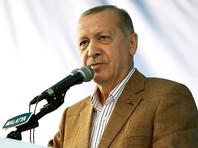 """Президент Турции дважды предложил Макрону """"проверить психику"""" и призвал сограждан бойкотировать французские товары"""