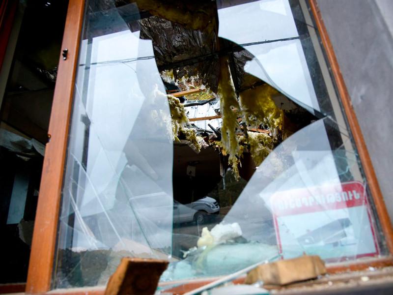 Армения заявила о десятках раненых при ракетных обстрелах городов в Карабахе