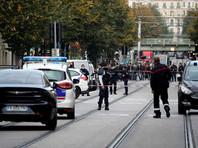 Полицейские Авиньона застрелили неизвестного, угрожавшего им и прохожим ножом