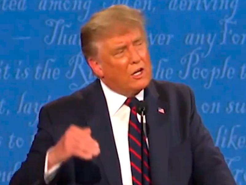 Дональд Трамп во время первого раунда дебатов в рамках президентской избирательной кампании