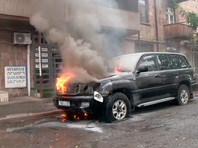 Утром в воскресенье в Степанакерте раздались мощные взрывы. Азербайджан возобновил обстрел