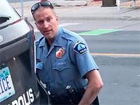 Полицейский, душивший коленом Джорджа Флойда, вышел под залог в $1 млн. В Миннесоте усилили меры безопасности