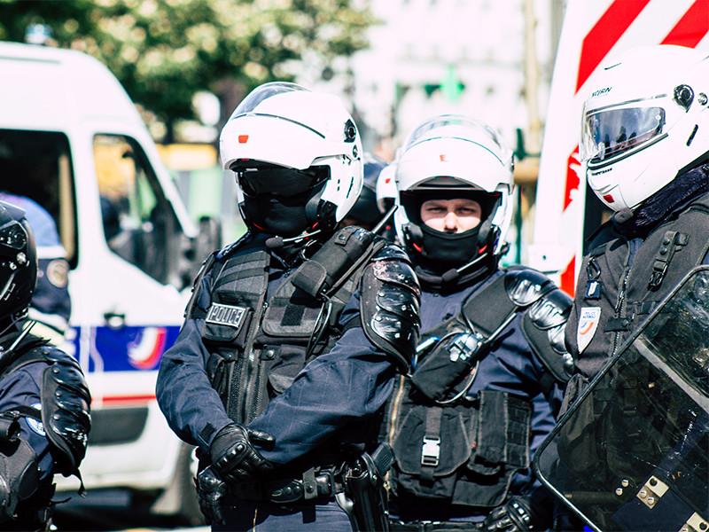 Во Франции 18-летний уроженец Москвы обезглавил преподавателя за показ карикатур на Мухаммеда. Задержаны 9 человек, включая родственников убийцы