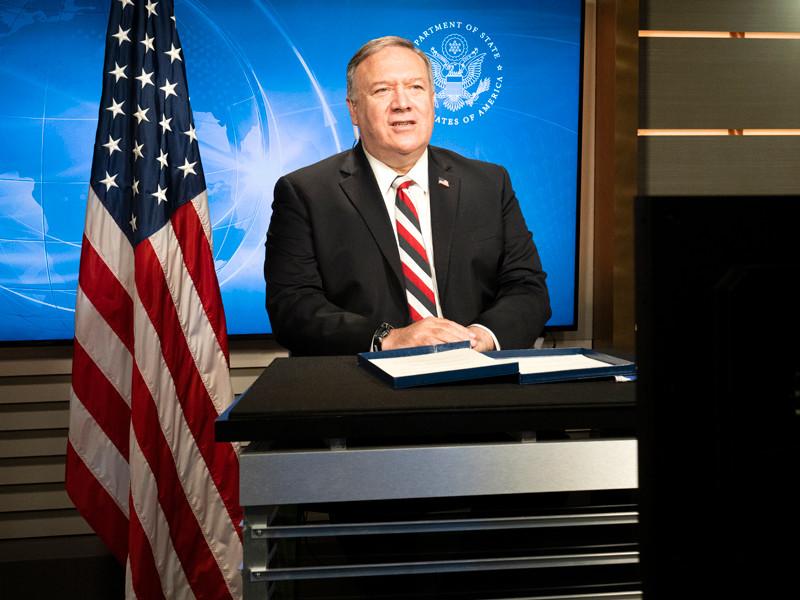 Госсекретарь США Майкл Помпео провел телефонные разговоры с Пашиняном и Алиевым