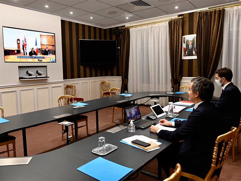 Франция и Великобритания подписали новое соглашение о контроле за незаконной миграцией через Ла-Манш