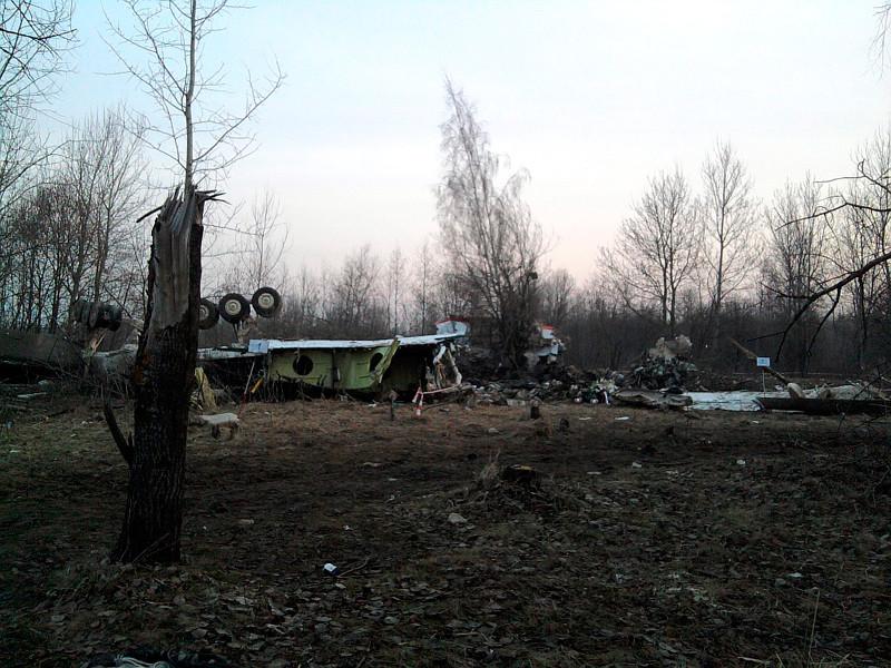 Самолет Ту-154 Леха Качиньского 10 апреля 2010 года потерпел крушение при заходе на посадку в аэропорту Смоленск-Северный. На борту находились 96 человек
