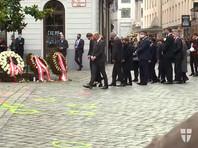 В понедельник вечером террорист открыл огонь в шести местах в центре Вены. По данным полиции, на месте происшествия погибли четыре человека, еще 22 получили ранения