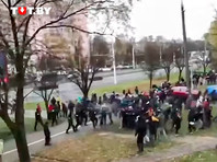 В Минске протестующих разгоняют светошумовыми гранатами