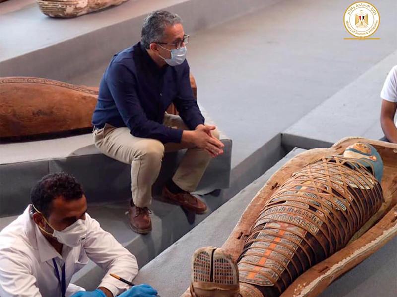 В окрестностях Каира нашли более сотни 2500-летних саркофагов