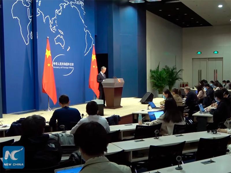 Китай поздравляет демократа Джо Байдена с победой на выборах президента в США, заявил в пятницу на брифинге представитель МИД КНР Ван Вэньбинь на брифинге в Пекине в пятницу, на десятый день после выборов