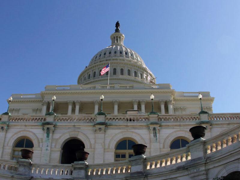 """Американские сенат и палата представителей пришли к договоренностям по новым санкциям против газопровода """"Северный поток-2"""""""