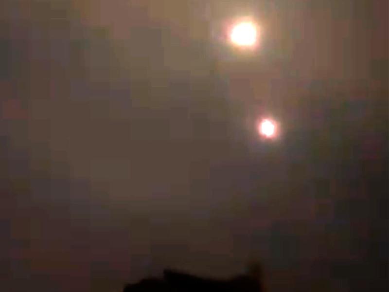 """""""Две ракеты были выпущены из сектора Газа по территории Израиля. В ответ истребители, боевые вертолеты и танки нанесли удары по подземной структуре и военным постам ХАМАС в секторе Газа"""", - говорится в сообщении"""