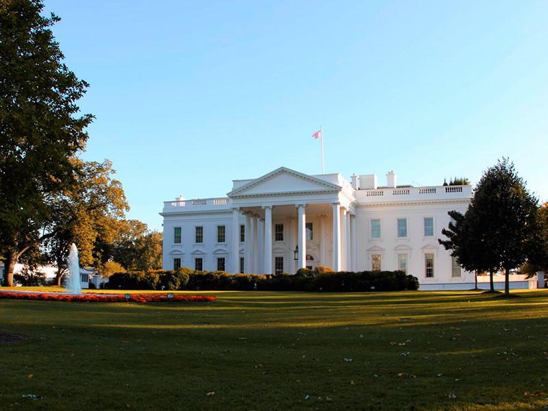 Администрация общих служб (GSA) США сообщила Джо Байдену о готовности начать процесс передачи власти, сообщает CNN со ссылкой на письмо главы GSA Эмили Мерфи