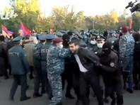 Полиция разогнала митинг оппозиции в центре Еревана (ВИДЕО)