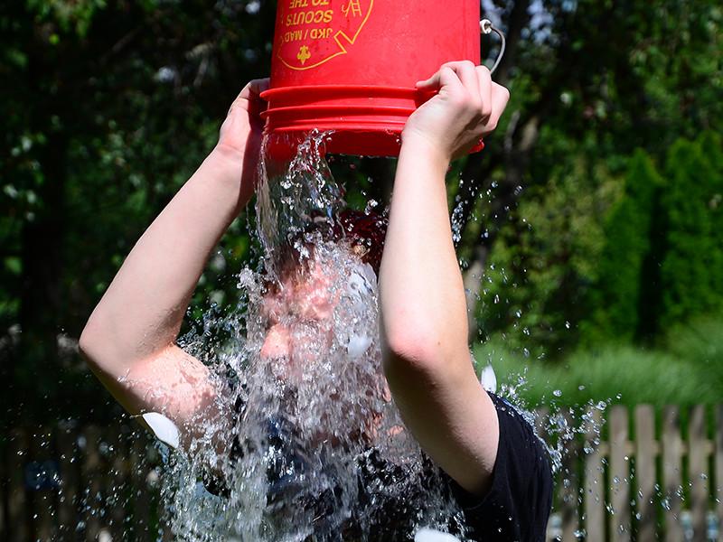 """В США умер 37-летний Патрик Куинн - один из вдохновителей флешмоба Ice Bucket Challenge"""" />"""