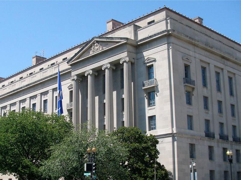 Минюст и ФБР не выявили фальсификаций, способных в корне изменить результаты выборов в США